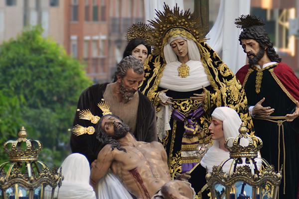 """El Consejo de Hermandades de Huelva trabaja en """"un Vía Crucis externo"""" con Méndez Núñez como posible escenario"""