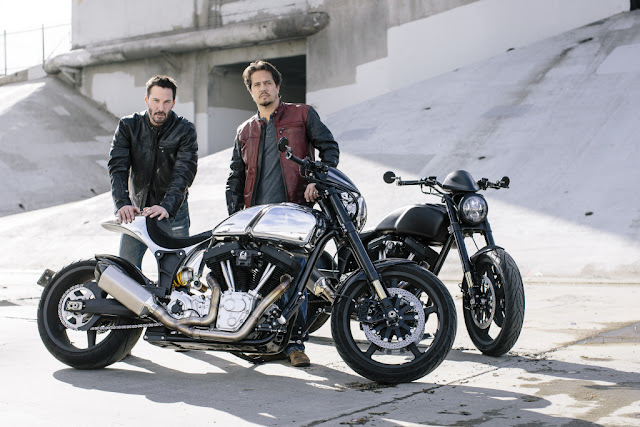 Keanu Reeves lança linha 2018 de suas motos artesanais no Salão de Milão 2017