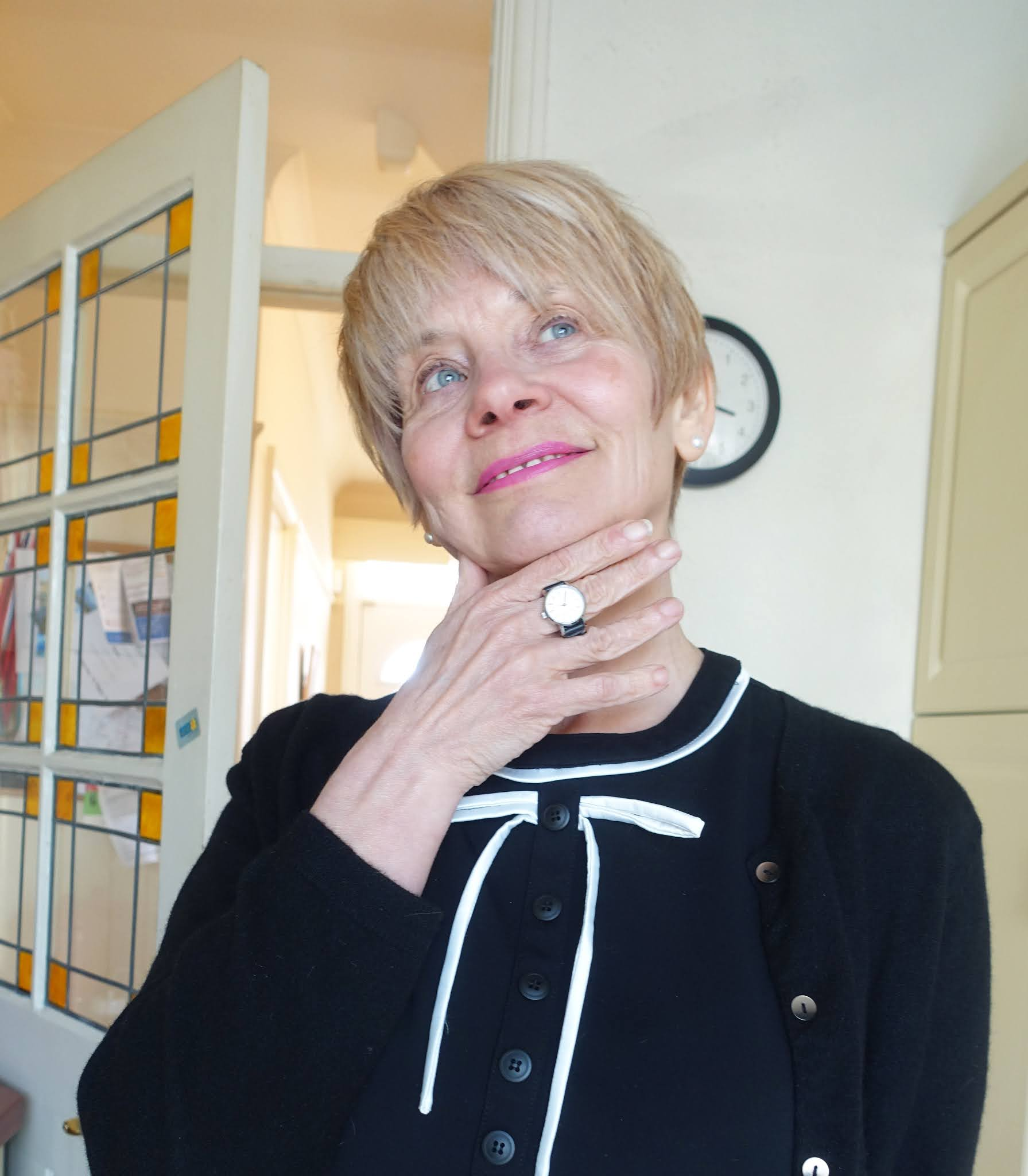 Over 50s blogger Gail Hanlon gets an up-to-date hair makeover following lockdown