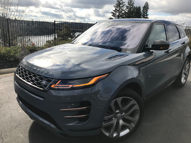 Front 3/4 view of 2020 Range Rover Evoque First Edition