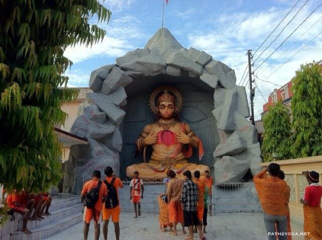 Parmarth Niketan Giant Hanuman Statue