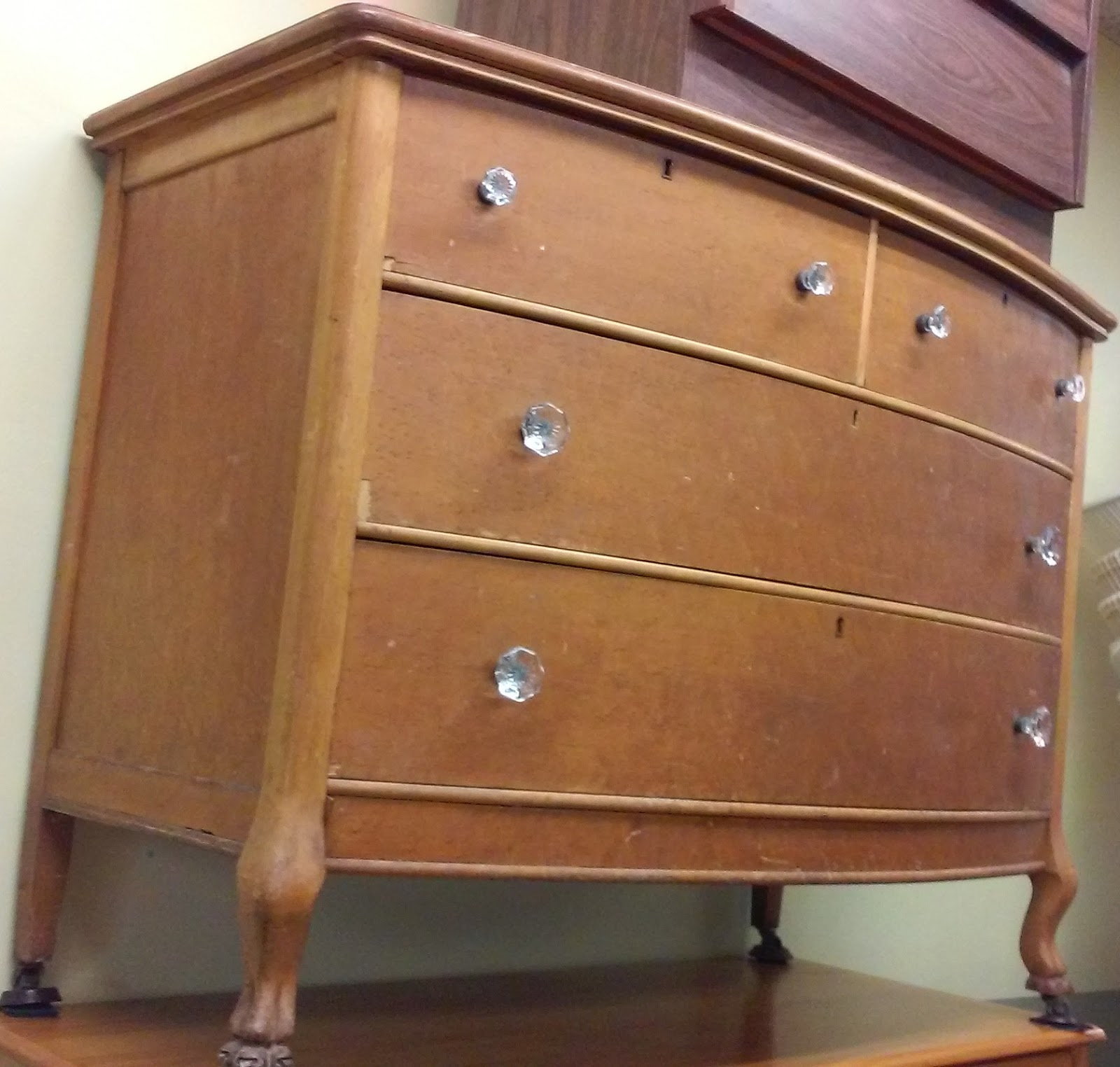 Uhuru furniture collectibles sold reduced antique for Reduced furniture