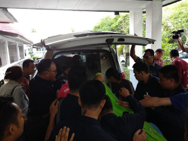 Setelah Dikateter, Adian Napitupulu Dirawat di Singapura