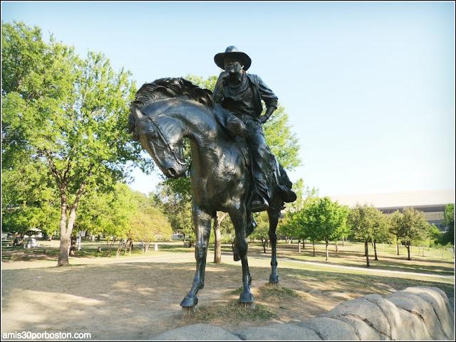 Lugares Turísticos y Atracciones en Dallas: Pioneer Plaza