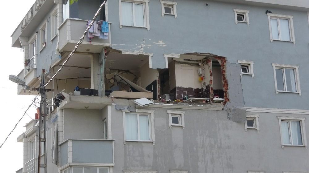 Piknik tüpü patlaması!.. Ne duvar kaldı ne de pencere!