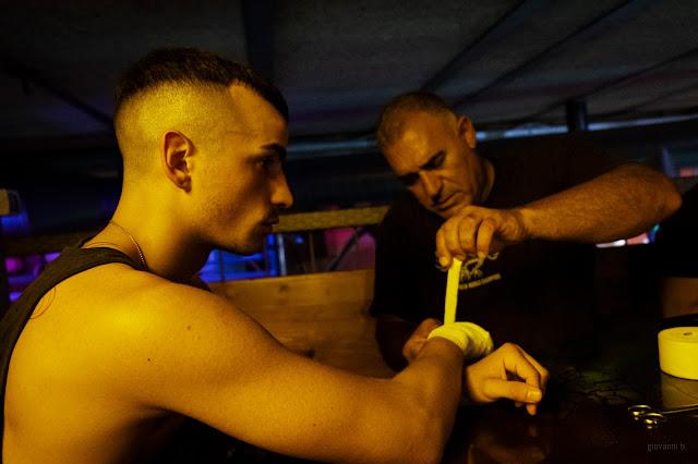 Kick boxer prima di salire sul ring. Foto di Giovanni Battisti