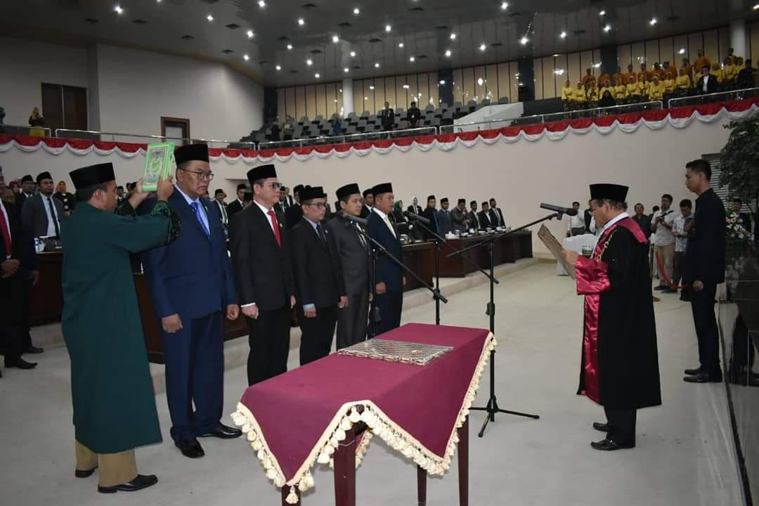 Nama-Nama Pimpinan DPRD Provinsi Banten Yang Dilantik