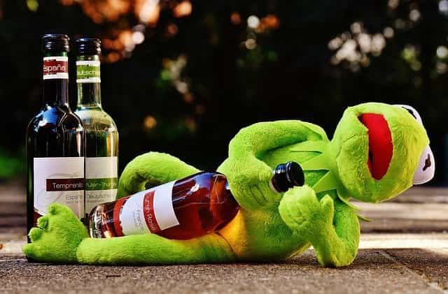Alasan Kenapa Alkohol Sebabkan Mabuk dan Kepala Jadi Pusing