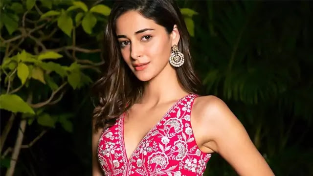 Who is most beautiful actress in Bollywood?