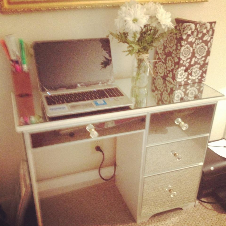 ~Jennifer Nack Designs: DIY Mirrored Furniture
