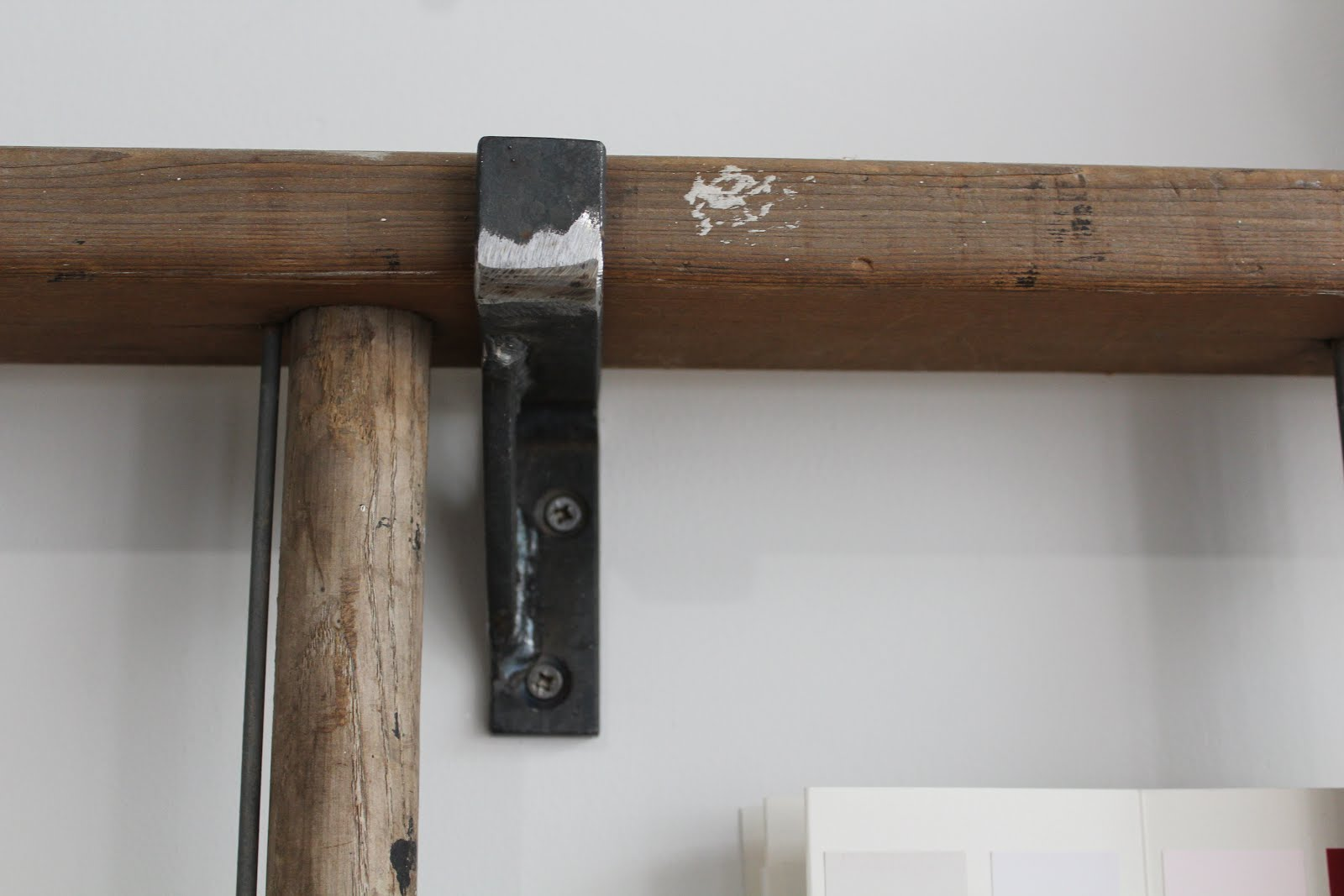 metal ladder bracket with style