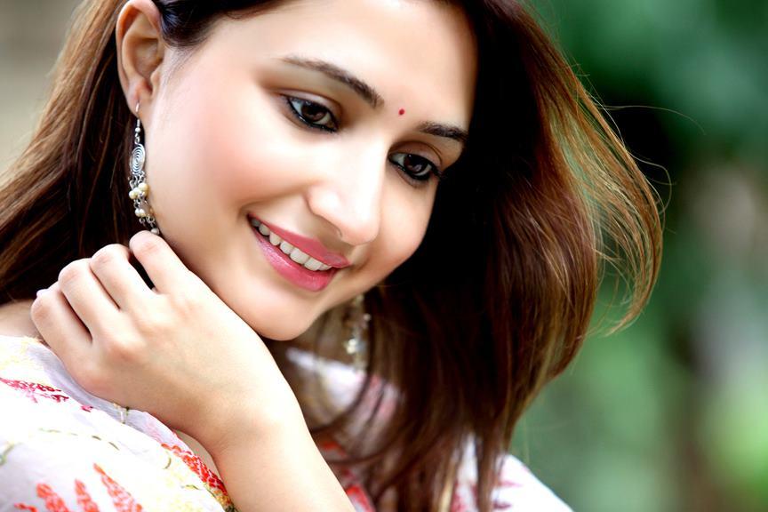 Bollywood Hindi Movies 2018 Actor Name: Top 10 Bollywood (Hindi) Actresses Of 2015 By Movies