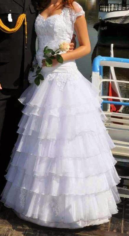 afec6f4f84 Suknia ślubna w promocyjnej cenie tylko 750 zł. Rozmiar 36 38.