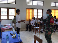 Cegah Penyebaran Virus Corona di Sekolah, Satgas Pamtas Yonif 742/SWY Berikan Penyuluhan Covid-19