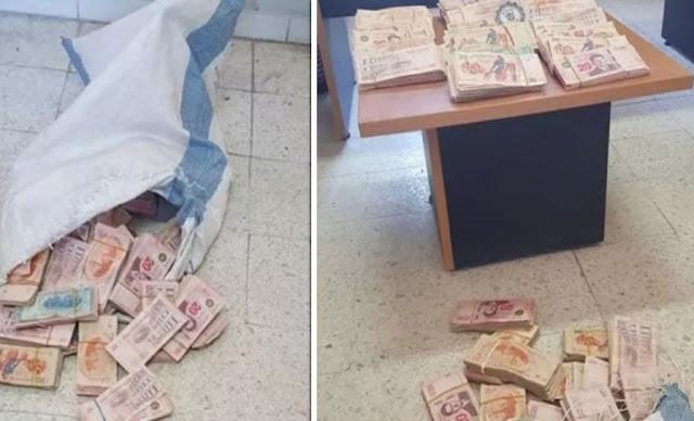 تونس العاصمة : إيقاف كهل يتجوّل بكيس بلاستيكي داخله مبلغ مالي كبير!