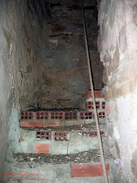arroyo-cerezo-iglesia-acceso-torre