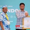 Inilah Bupati Termuda Di Indonesia Timur, Terima Penghargaan Dari IGI