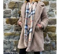 Vinci gratis cappotto Tedy con elegante sciarpa