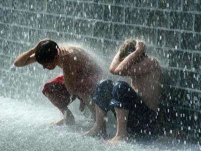 Permalink to 4 Hal Yang Harus Diwaspadai Saat Musim Hujan Bagi Blogger