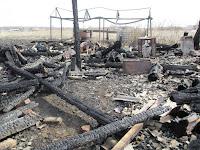 (ФОТО)В результате, которого огнем уничтожен жилой дом и надворные постройки.