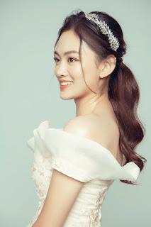 Hoa khôi bóng chuyền Nguyễn Thu Hoài tung ảnh xinh như... công chúa