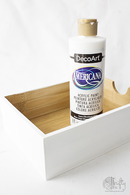 Organizer hack. Organization and decluttering ideas. Bathroom organization ideas. Desk organizer. DIY desk organizer makeover.