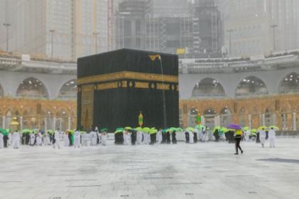 Kota Makkah Banjir dan Hujan Es, Ustad Yusuf Mansur Ajak Berdoa Tolak Bala