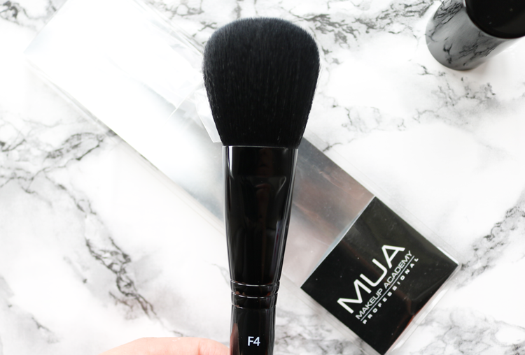 MUA F4 Powder Brush review