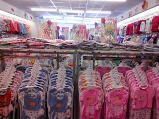 shopping pakaian bayi banyak pilihan