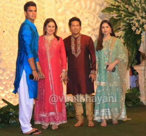 sachin tendulkar family photo