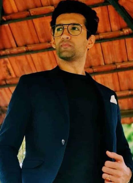 Arjun Aneja sebagai Sushant