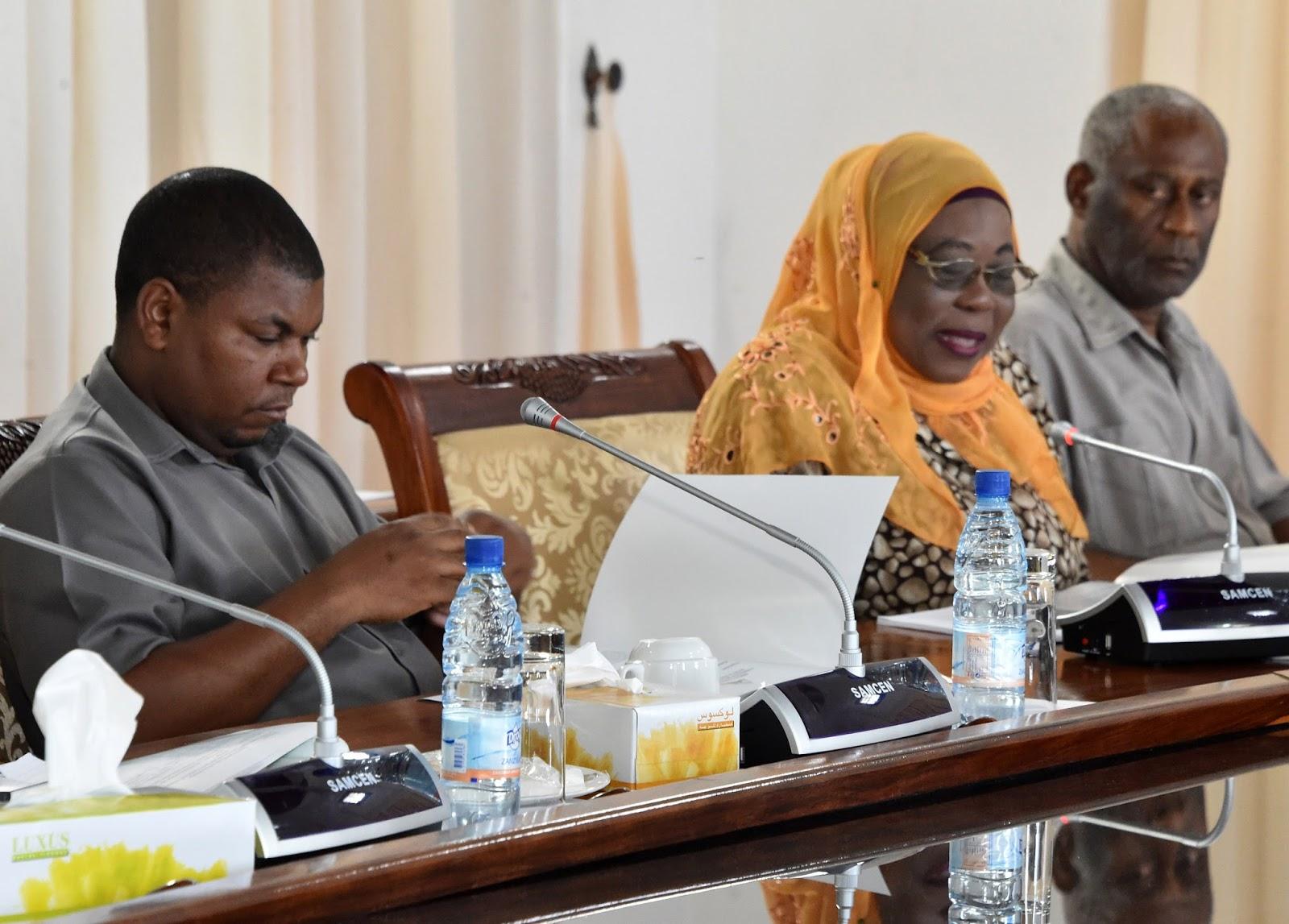Rais wa Zanzibar na Mwenyekiti wa Baraza la Mapinduzi ...