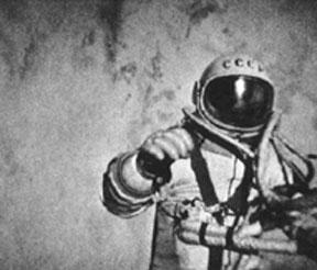 Una foto di Leonov durante la passeggiata spaziale