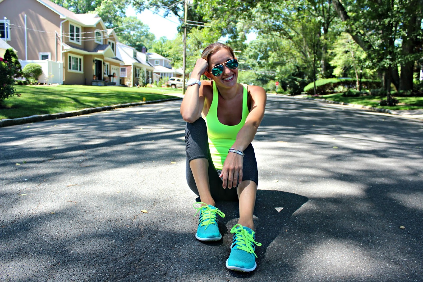 neon workout outfit