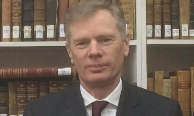 Arrestato l'ambasciatore britannico in Iran Rob Macaire