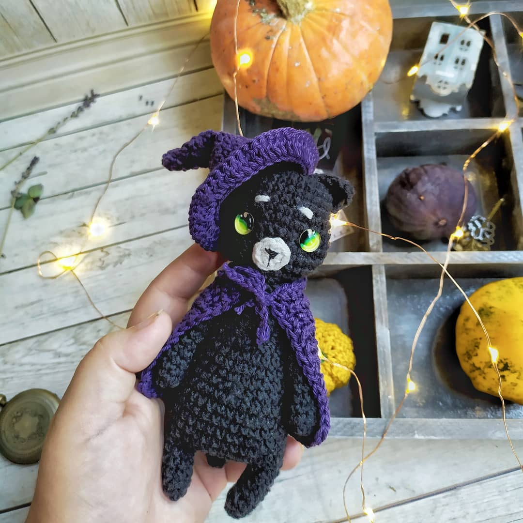 Halloween Witches: Crochet Pattern Roundup! - AmVaBe Crochet | 1080x1080