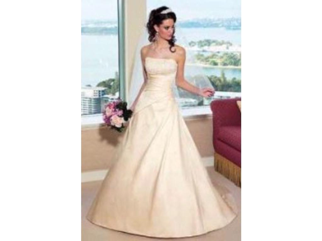 I Heart Wedding Dress: Alfred Angelo 1136
