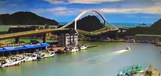 Taiwan, Tanker plunges into river as bridge collapses in Taiwan