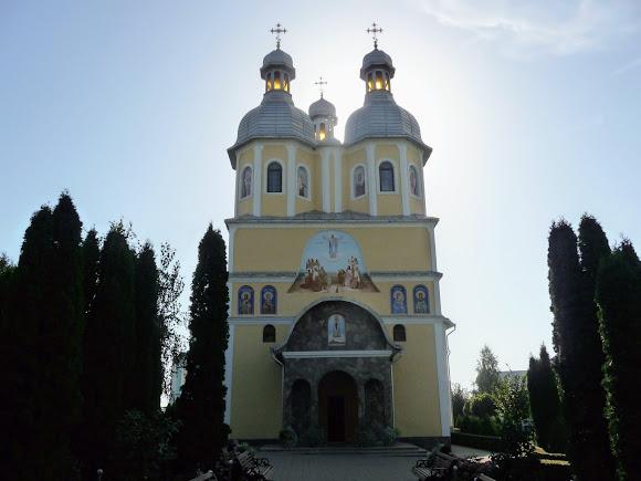 Банчени. Свято-Вознесенський монастир. Свято-Вознесенський храм