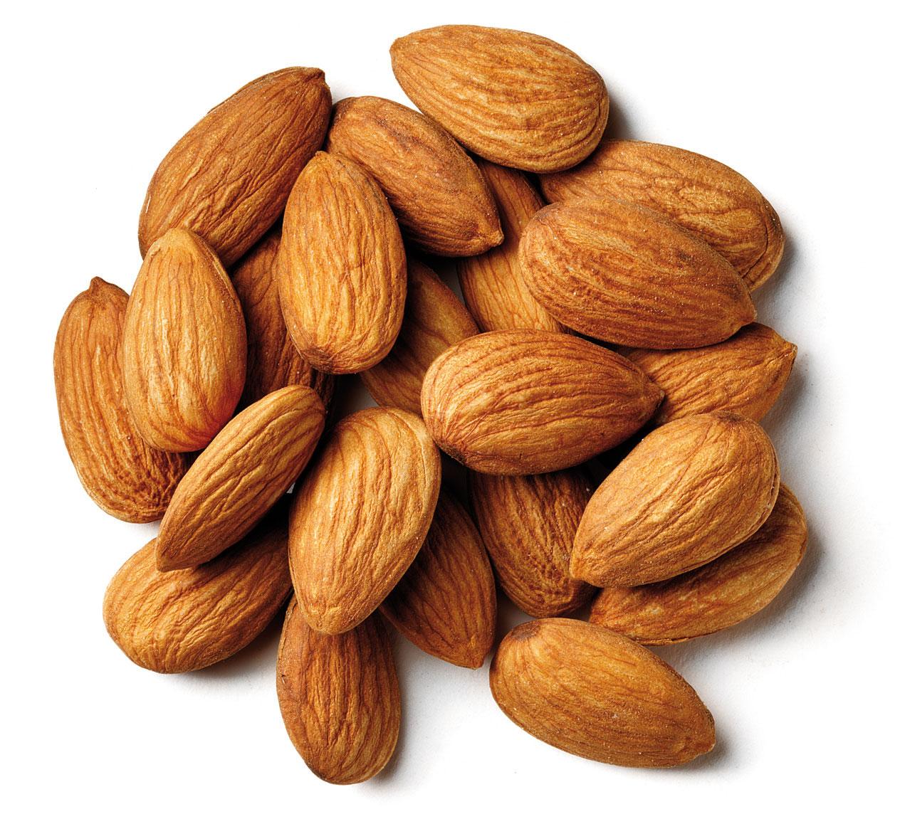 Manfaat Kacang Almond untuk Wanita
