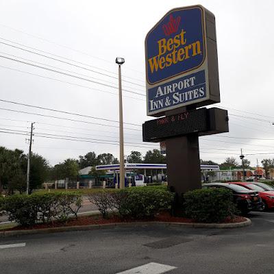 Hotel próximo aeroporto Orlando