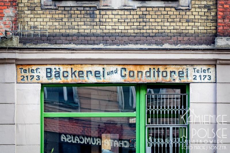 Bytom. Bäckerei. Przedwojenna reklama piekarni. Renowacja starej reklamy.