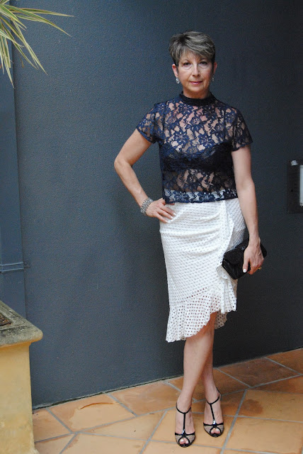 WHITE LACE SKIRT|INDIGO BLUE LACE TOP