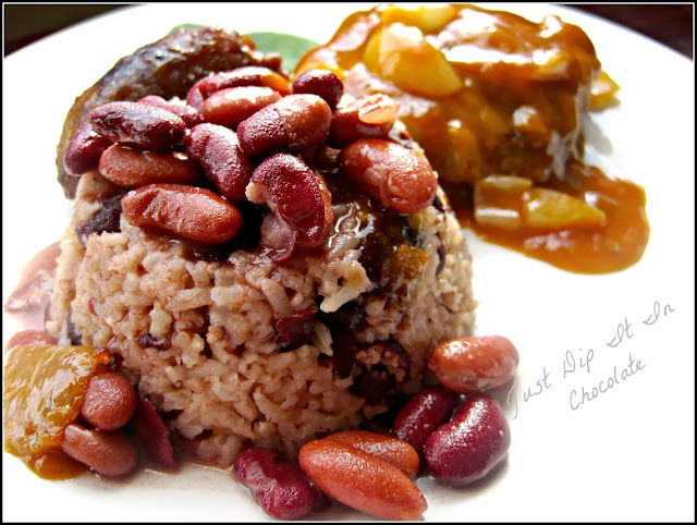 Rice and Beans with Coconut Milk Recipe, an easy and tasty recipe for a Southern favorite with a hint of Caribbean taste! #Southernfood #Caribbeanfood #rice #beans #coconut #comfortfood
