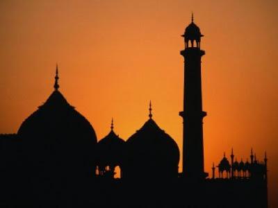 Sebagai Seorang Muslim Kita Harus Mengetahui Adab Masuk Masjid