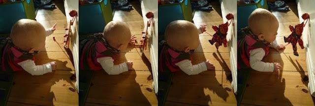 Bilderreihe Kind spielt mit Hampelmann