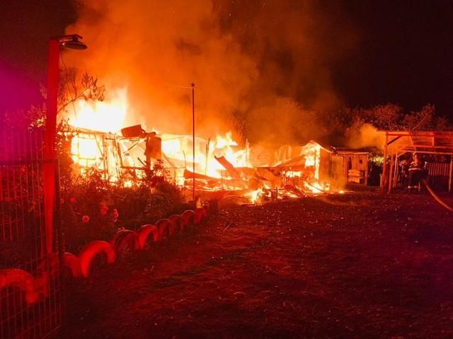 Incendio destruyó el hogar de una adulta mayor en el sector Los Esteros