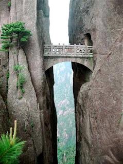 most dangerous bridge in the world