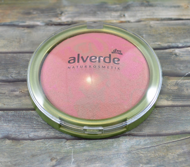 Alverde gebackenes Rouge in 10 peachy bronze