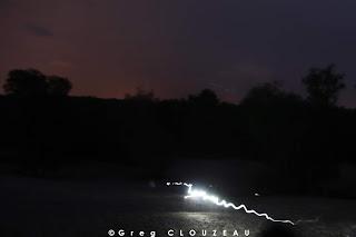 L'orage s'éclipse avec l'éclipse. Light painting !